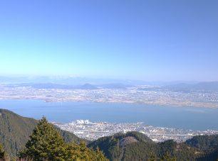 峰道からびわ湖の眺め