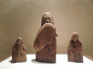 平安時代の作と伝わる女神像(重文)