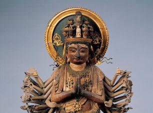 比叡山最古の木彫像・千手観音立像<br/>