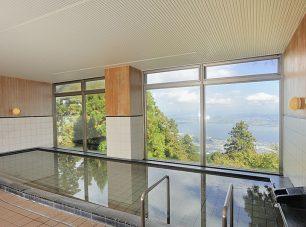 琵琶湖の大パノラマをお楽しみいただける、自慢の大浴場
