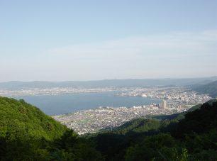 夢見が丘からの大津市内の眺め