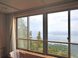 「本館和室(琵琶湖側)」からの眺望