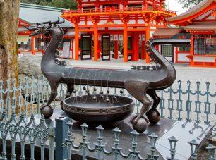 古代火時計。竜の背に置いた線香の燃焼によって時を計る
