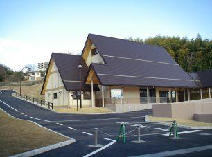 おごと温泉観光公園:足湯やカフェのほか、レンタサイクルなどもできる